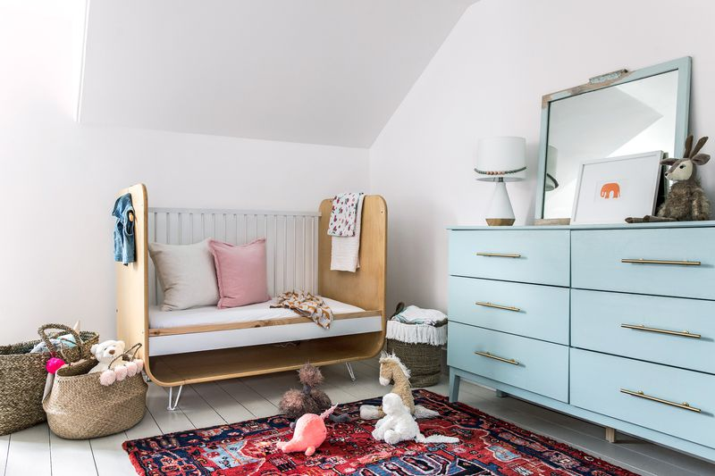 a Cape Cod-style remodel in Cumberland Foreside, ME, kid's bedroom